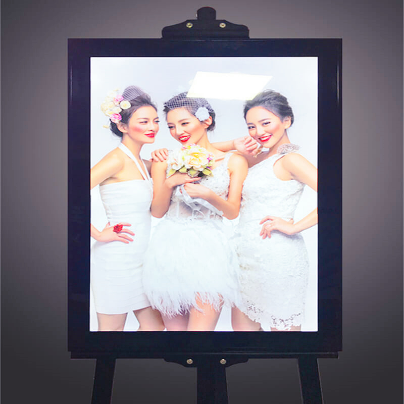 Adjustable Light Box E04G
